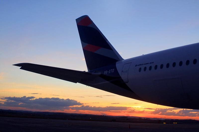 LATAM está vendendo passagens por R$ 241 dos novos voos de Vitória para o Rio de Janeiro
