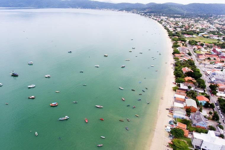 Promoção de passagens para Florianópolis; bilhetes de ida e volta a partir de R$ 345