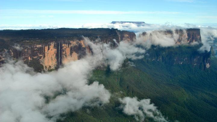 Conheça os cenários paradisíacos do Monte Roraima