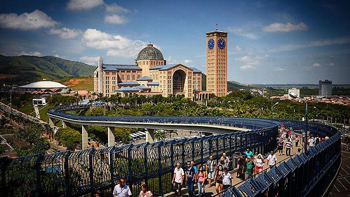 Aparecida: turismo religioso volta a agitar a cidade